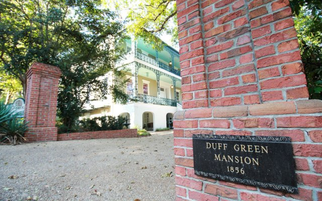 Отель Duff Green Mansion вид на фасад