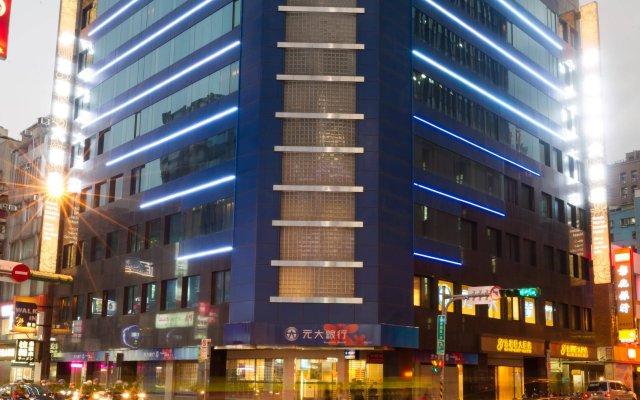 Отель Green World Taipei Station вид на фасад