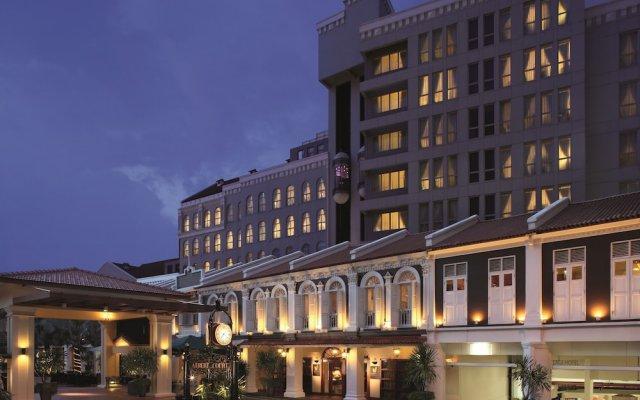 Albert Court Village Hotel by Far East Hospitality вид на фасад