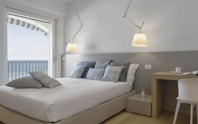 Отель Luxury Suites Collection Италия, Риччоне - отзывы, цены и фото номеров - забронировать отель Luxury Suites Collection онлайн комната для гостей