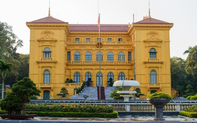 Victor Hotel Cau Giay вид на фасад
