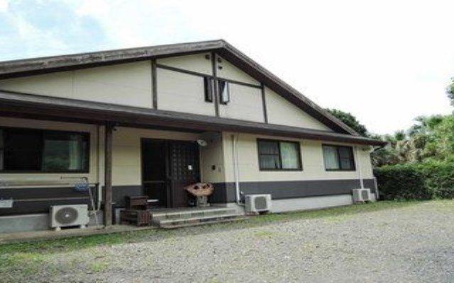Отель Iyashi no Minshuku Tonton Якусима вид на фасад