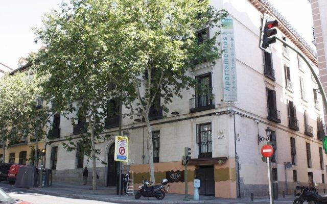 Отель WooTravelling Atocha 107 HOMTELS Испания, Мадрид - 1 отзыв об отеле, цены и фото номеров - забронировать отель WooTravelling Atocha 107 HOMTELS онлайн вид на фасад