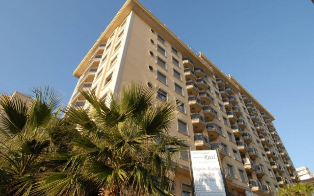 Отель Apartamentos Mediterráneo Real вид на фасад