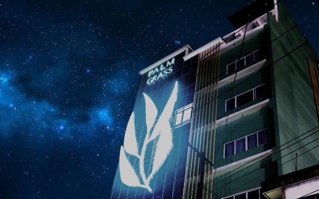 Palm Grass Hotel вид на фасад