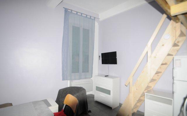 Отель Dou Gouvernou комната для гостей