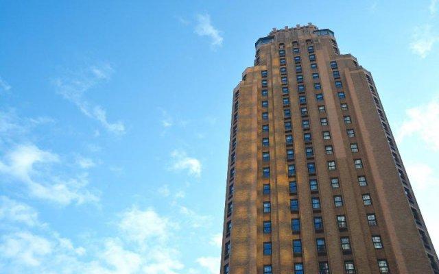Beekman Tower Hotel вид на фасад