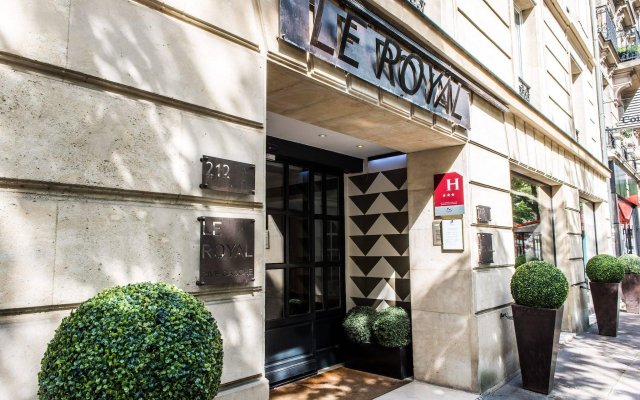 Отель Royal Montparnasse Париж вид на фасад