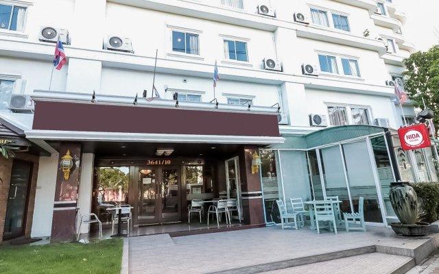 Отель Nida Rooms Charoenrat Bangklo Boulevard At Howard Square Таиланд, Бангкок - отзывы, цены и фото номеров - забронировать отель Nida Rooms Charoenrat Bangklo Boulevard At Howard Square онлайн вид на фасад
