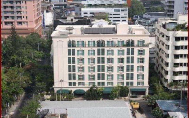 Апартаменты Saladaeng Colonnade Serviced Apartment вид на фасад