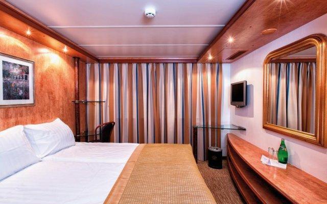 Отель Crossgates Hotelship 4 Star - Medienhafen - Düsseldorf комната для гостей