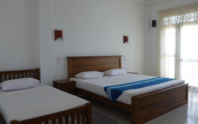 Отель Czech Beach Resort Шри-Ланка, Пляж Golden Mile - отзывы, цены и фото номеров - забронировать отель Czech Beach Resort онлайн комната для гостей