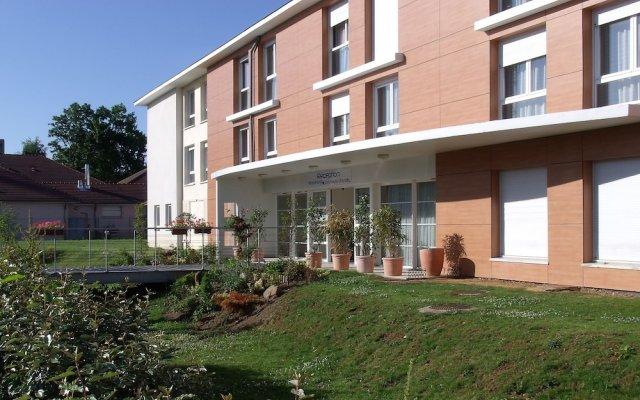 Отель Residhotel les Hauts d'Andilly вид на фасад