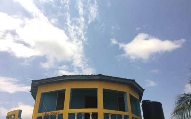 Отель Waikiki Guest House Треже-Бич вид на фасад
