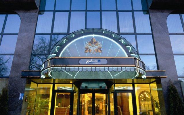 Отель Radisson Blu Park Lane Антверпен вид на фасад