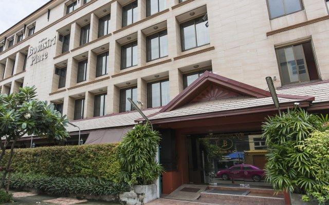 Отель Boonsiri Place вид на фасад