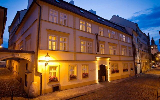 Отель Leonardo Prague Чехия, Прага - 12 отзывов об отеле, цены и фото номеров - забронировать отель Leonardo Prague онлайн вид на фасад