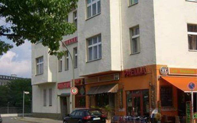 Отель Pension Messe am Funkturm Германия, Берлин - отзывы, цены и фото номеров - забронировать отель Pension Messe am Funkturm онлайн вид на фасад