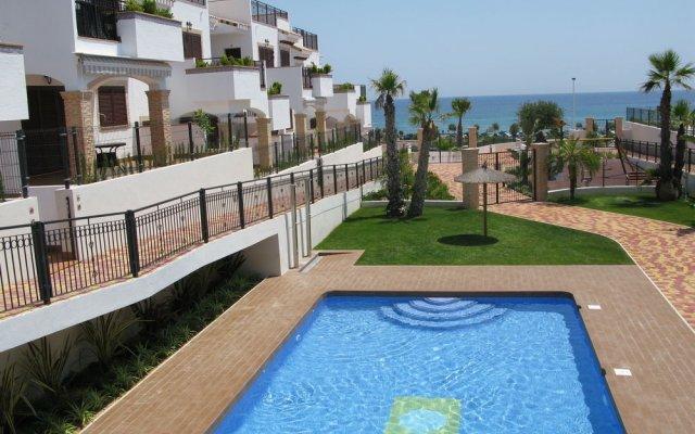 Отель Residencial Linnea Sol Mar Holidays Испания, Ориуэла - отзывы, цены и фото номеров - забронировать отель Residencial Linnea Sol Mar Holidays онлайн бассейн