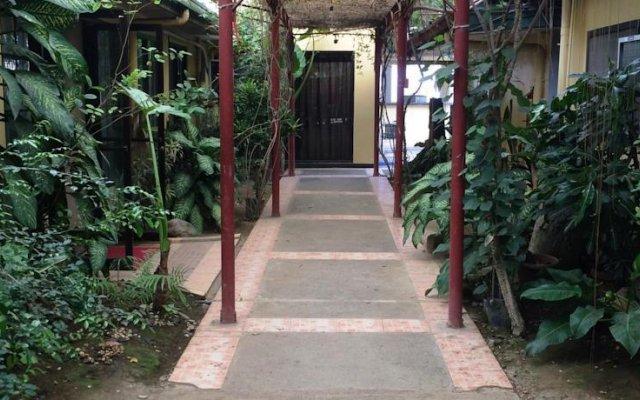 Отель One Rovers Place Филиппины, Пуэрто-Принцеса - отзывы, цены и фото номеров - забронировать отель One Rovers Place онлайн вид на фасад