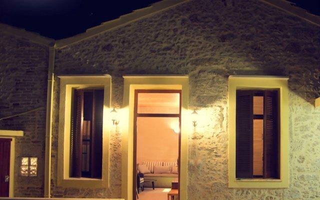 Отель Porto Enetiko Suites вид на фасад
