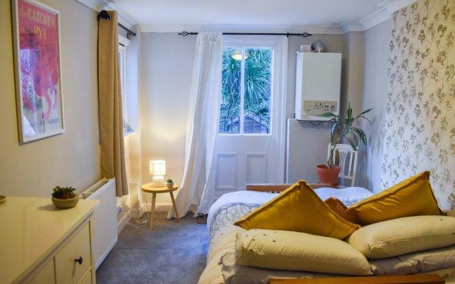 Апартаменты 2 Bedroom Apartment in Central Brighton Брайтон комната для гостей