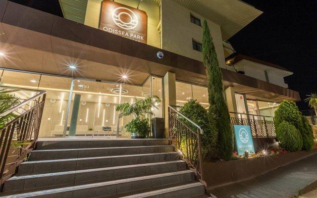 Отель Aparthotel Odissea Park Испания, Санта-Сусанна - отзывы, цены и фото номеров - забронировать отель Aparthotel Odissea Park онлайн вид на фасад