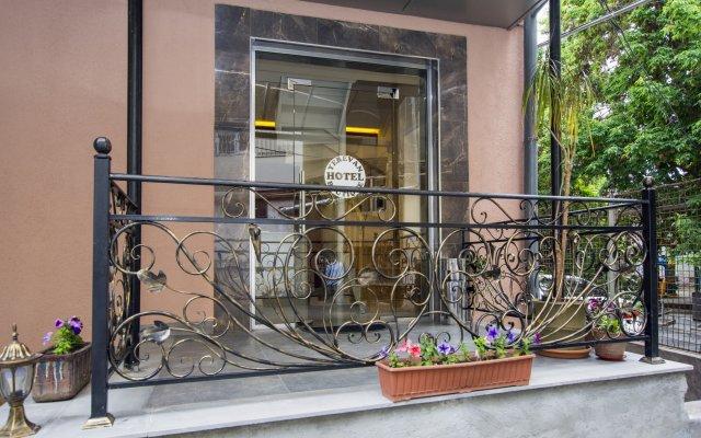 Отель Yerevan Boutique вид на фасад