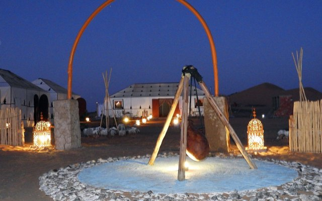 Отель Sahara Dream Camp Марокко, Мерзуга - отзывы, цены и фото номеров - забронировать отель Sahara Dream Camp онлайн вид на фасад