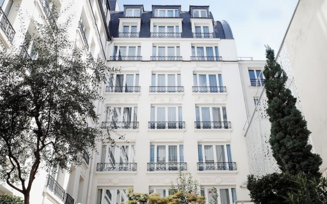 Hotel Rochester Champs Elysees вид на фасад