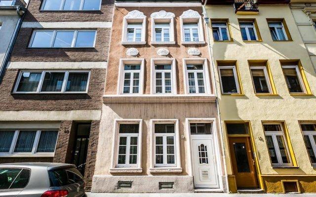 Отель Ferienwohnung Köln-Altstadt Nord Германия, Кёльн - отзывы, цены и фото номеров - забронировать отель Ferienwohnung Köln-Altstadt Nord онлайн вид на фасад
