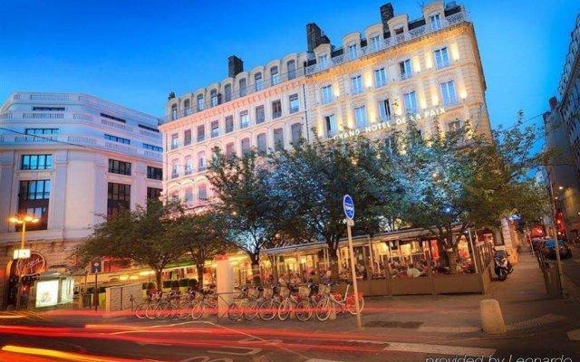 Отель Silky by HappyCulture Франция, Лион - 1 отзыв об отеле, цены и фото номеров - забронировать отель Silky by HappyCulture онлайн вид на фасад