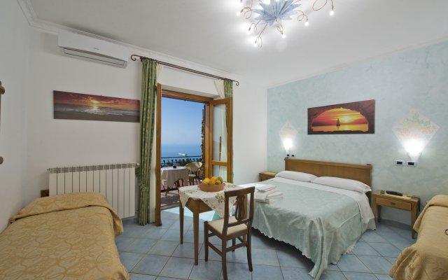 Отель Agriturismo Mare e Monti Аджерола комната для гостей