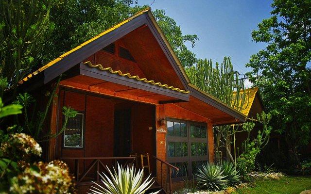 Отель Areeya Phuree Resort вид на фасад