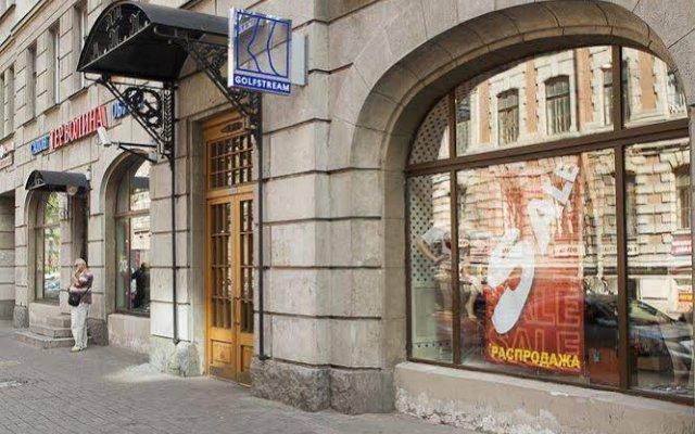 Гостиница Соло на Площади Восстания вид на фасад