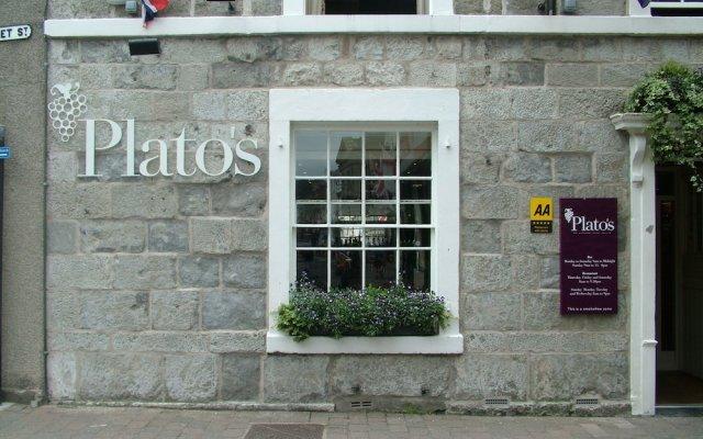 Отель Plato's вид на фасад