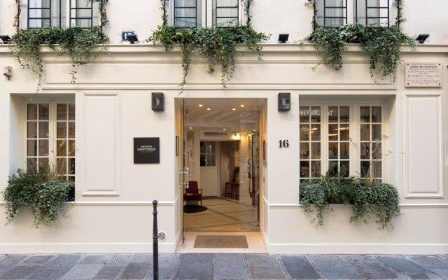 Отель Hôtel Monsieur Saintonge вид на фасад
