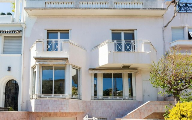 Beautiful villa in the center of Cannes, that can host up to 8 people 0