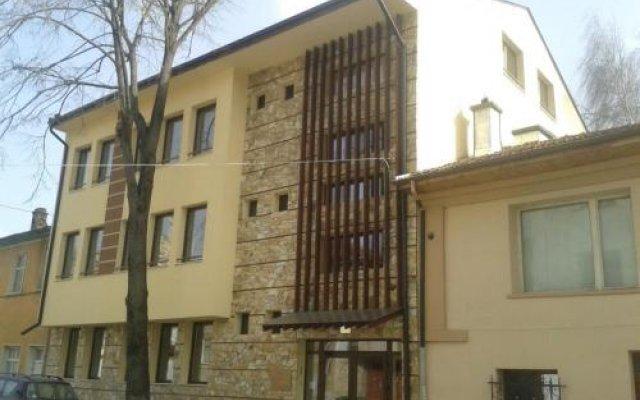 Отель Hinovi Hvoyna Болгария, Чепеларе - отзывы, цены и фото номеров - забронировать отель Hinovi Hvoyna онлайн вид на фасад