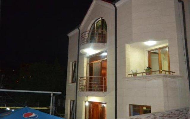 Отель Art Hotel Армения, Ереван - 3 отзыва об отеле, цены и фото номеров - забронировать отель Art Hotel онлайн вид на фасад