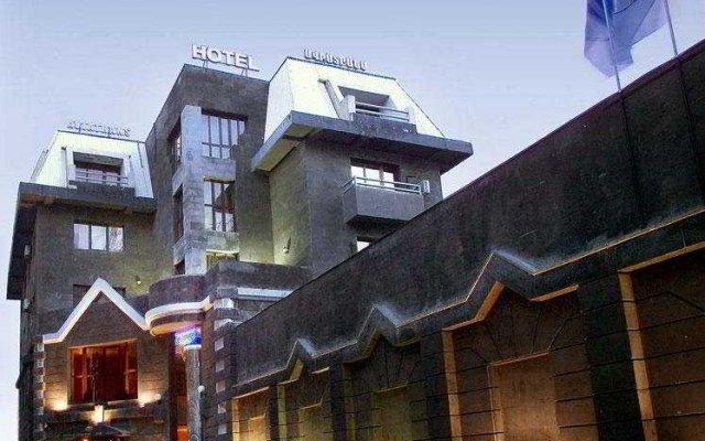 Отель Aviatrans Армения, Ереван - отзывы, цены и фото номеров - забронировать отель Aviatrans онлайн вид на фасад
