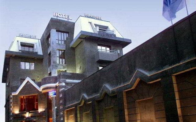 Отель Aviatrans вид на фасад
