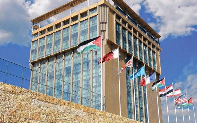 Отель Landmark Amman Hotel & Conference Center Иордания, Амман - отзывы, цены и фото номеров - забронировать отель Landmark Amman Hotel & Conference Center онлайн вид на фасад