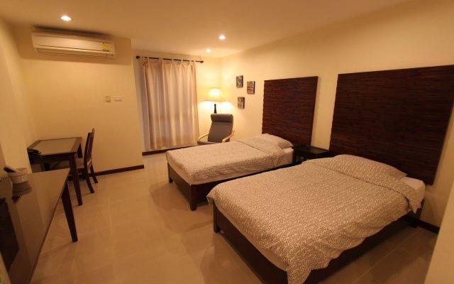 The Royal Bee Apart Hotel Бангкок комната для гостей