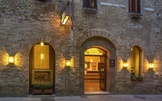 Отель Bel Soggiorno Италия, Сан-Джиминьяно - отзывы, цены и фото номеров - забронировать отель Bel Soggiorno онлайн вид на фасад