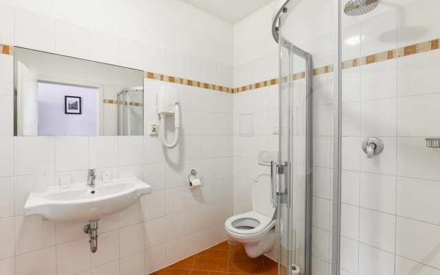 Отель Penzion U Salzmannu Пльзень комната для гостей