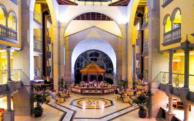 Отель R2 Rio Calma интерьер отеля