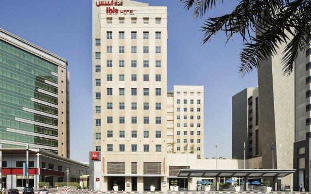 Отель Ibis Deira City Centre Дубай вид на фасад