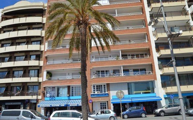 Отель Apartamento Vivalidays Rosa Lloret Испания, Льорет-де-Мар - отзывы, цены и фото номеров - забронировать отель Apartamento Vivalidays Rosa Lloret онлайн вид на фасад