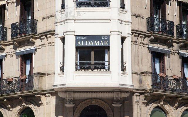 Отель Pension Aldamar Сан-Себастьян вид на фасад